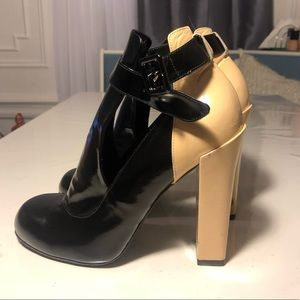 Jill Stuart Black and Nude heels